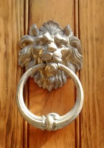 golden lion knocker